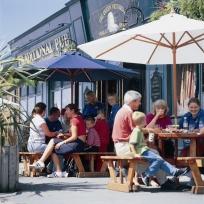 Pontins Prestatyn Queen Vic Pub
