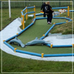 Pontins Crazy Golf!